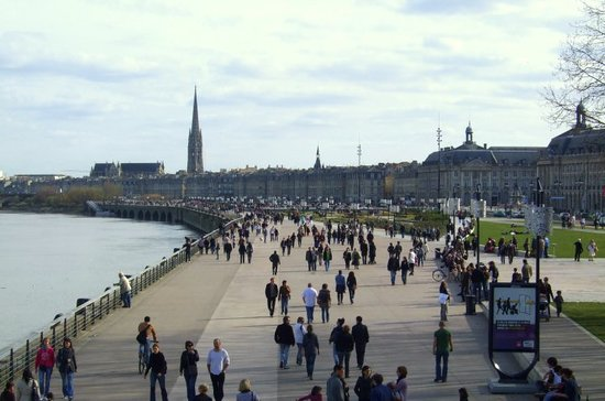 Bordeaux Waterwalk